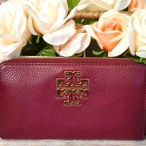 EUCTory Burch Agate Britten Zip Continental Wallet